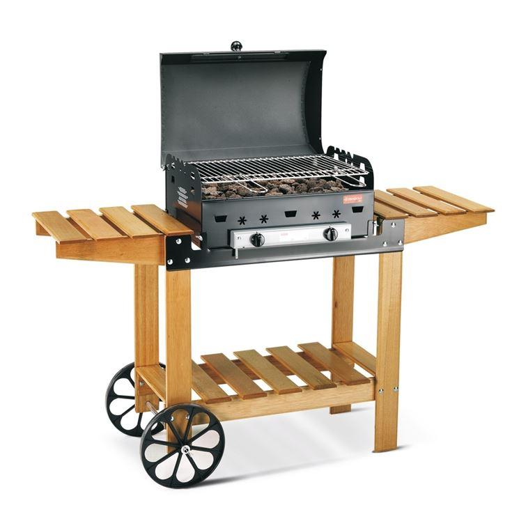 barbecue a pietra lavica con particolari in legno