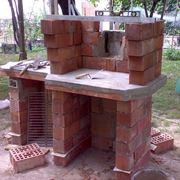 Costruzione barbecue in muratura