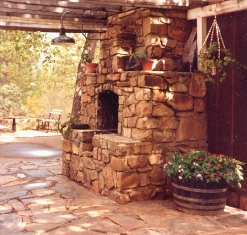 Piastra barbecue barbecue - Barbecue da giardino in pietra ...