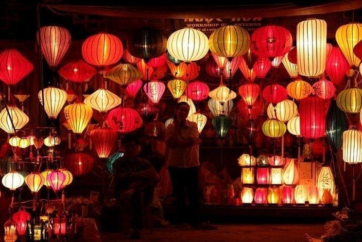 lampade giapponesi tonde rosse e gialle
