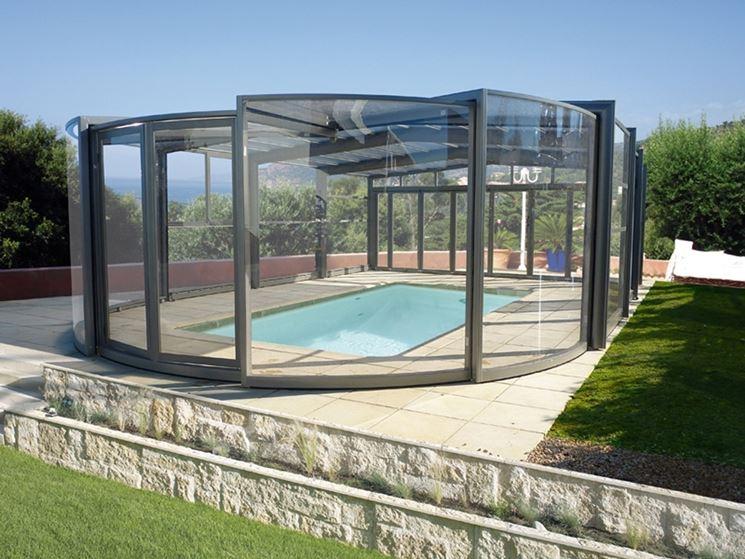 Coperture da giardino pergole e tettoie da giardino tipologie di coperture per giardino - Piscine per giardino ...