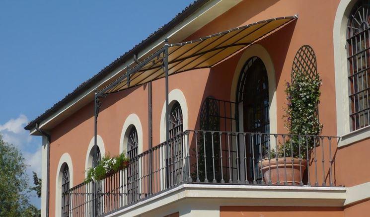 balcone con pergolato ornamentale