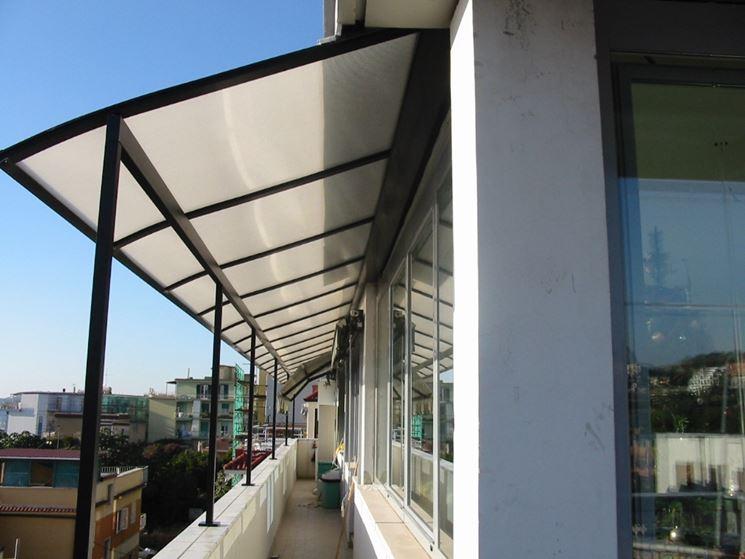 Coperture per balconi pergole e tettoie da giardino for Pensiline in policarbonato amazon