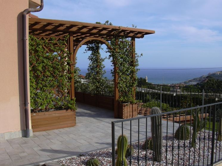 Coperture per terrazze pergole e tettoie da giardino - Giardino a terrazze ...