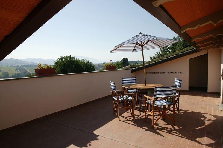 Coperture terrazzi in legno pergole e tettoie da giardino come coprire un terrazzo con - Arredare balconi e terrazzi ...