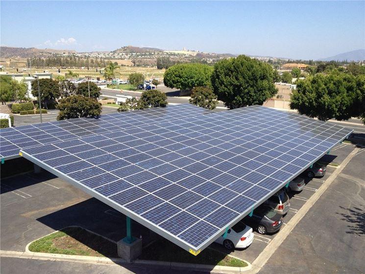 Le pensiline fotovoltaiche possono essere utilizzate come parcheggio