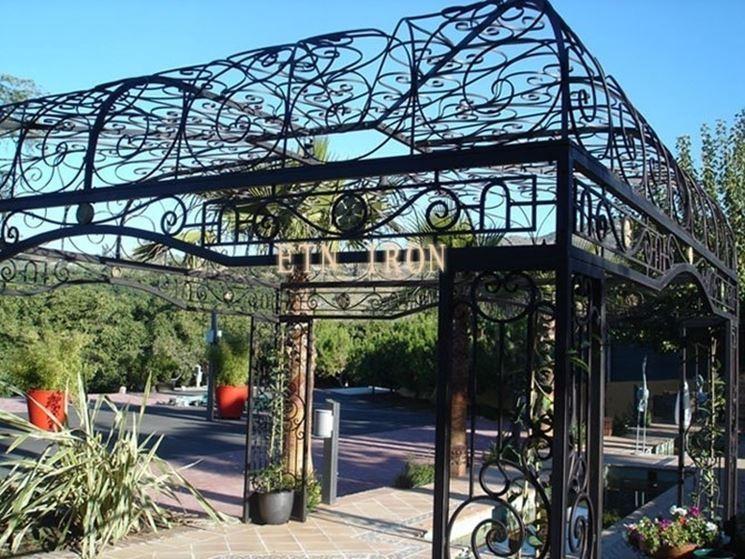 pensilina in ferro battuto da esterno giardino