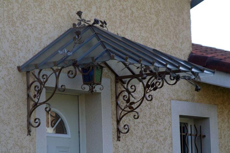 Tettoie in ferro battuto e legno – Tetto della casa
