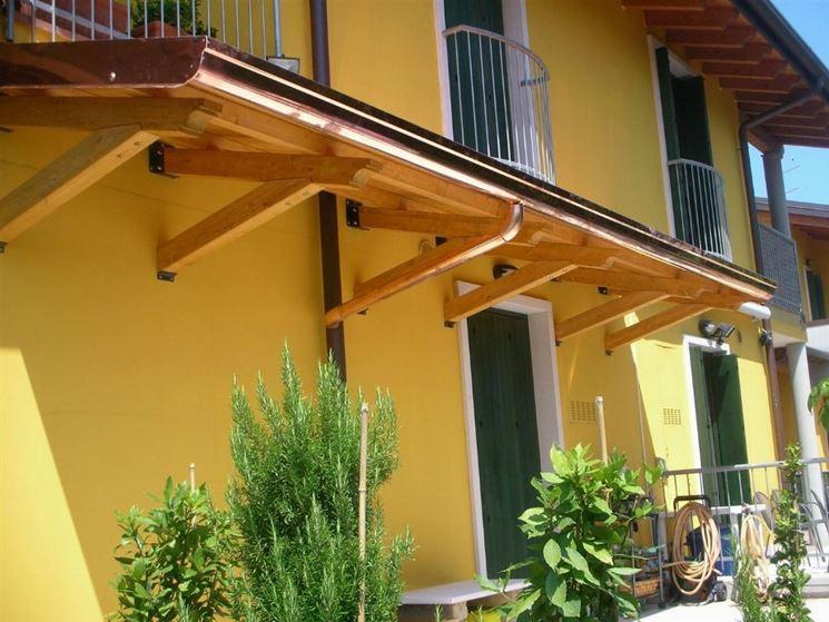 Pensiline in legno pergole e tettoie da giardino caratteristiche delle pensiline in legno - Tettoie da giardino in ferro ...