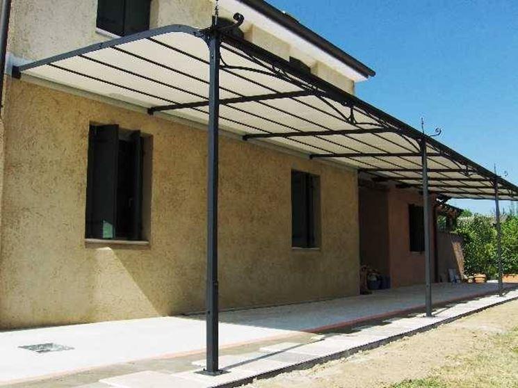 Pergole in ferro pergole e tettoie da giardino for Arco per rampicanti fai da te