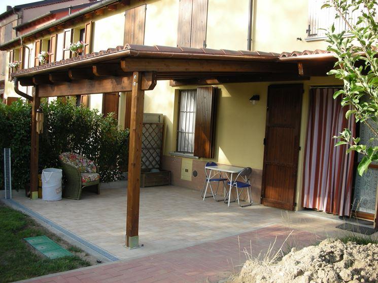 Strutture in legno per esterni pergole e tettoie da - Tettoie in legno per esterno ...