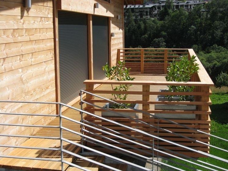 Terrazzi in legno pergole e tettoie da giardino - Pergole da giardino ...
