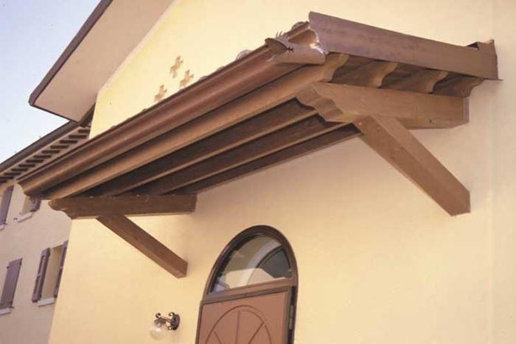 Esempio di tettoia