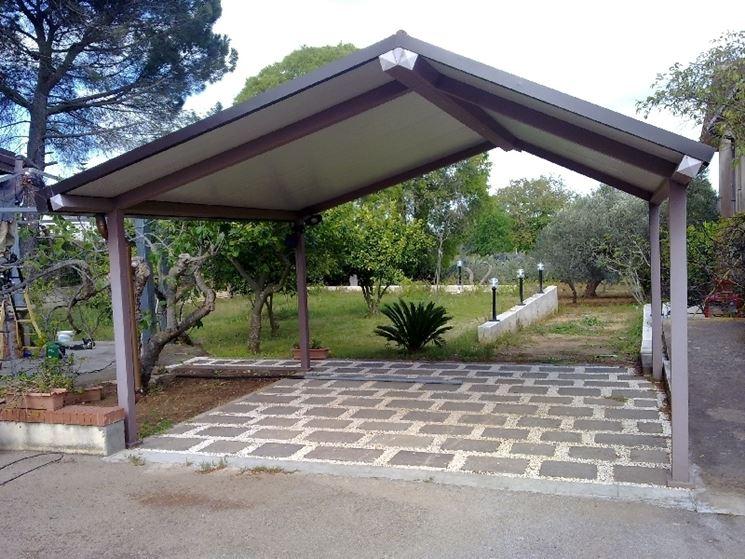 Tettoie in ferro - Pergole e tettoie da giardino - Caratteristiche delle tettoie in ferro