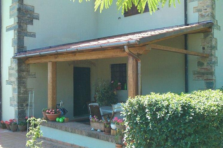 Tettoie in legno fai da te - Pergole e tettoie da giardino - Come costruire una tettoia in legno