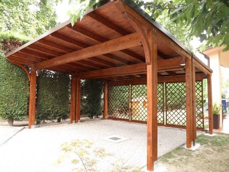 Una tettoia in legno