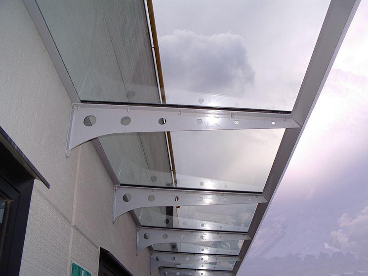 Tettoie per terrazzi pergole e tettoie da giardino for Costruire tartarughiera in vetro