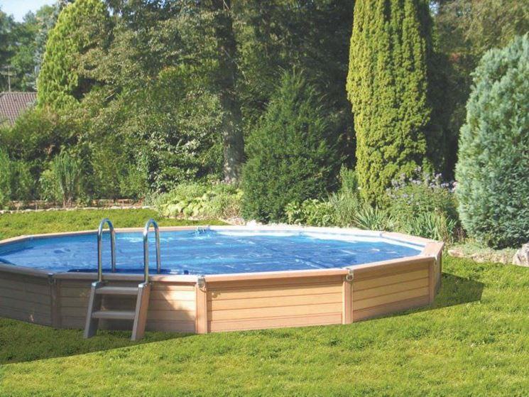 Costruire piscina piscine consigli per costruire una piscina - Piscina fuori terra in giardino ...