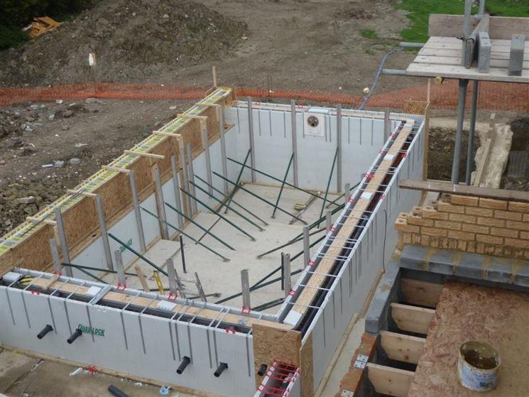 Costruire piscina piscine consigli per costruire una - Rivestire piscina fuori terra fai da te ...