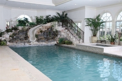 Piscina coperta piscine piscina coperta caratteristiche - Piscina interna casa ...