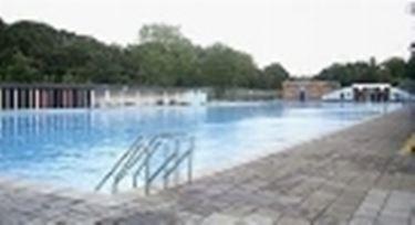 piscina milano2