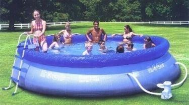 piscina fuori terra.