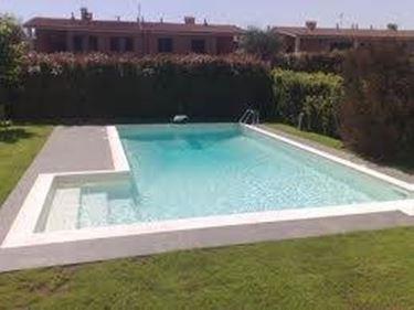Piscine interrate piscine piscine interrate caratteristiche - Piscine da giardino interrate ...