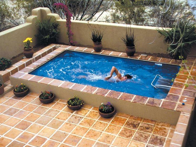 Casa moderna roma italy piscine piccole dimensioni - Del taglia piscine prezzi ...