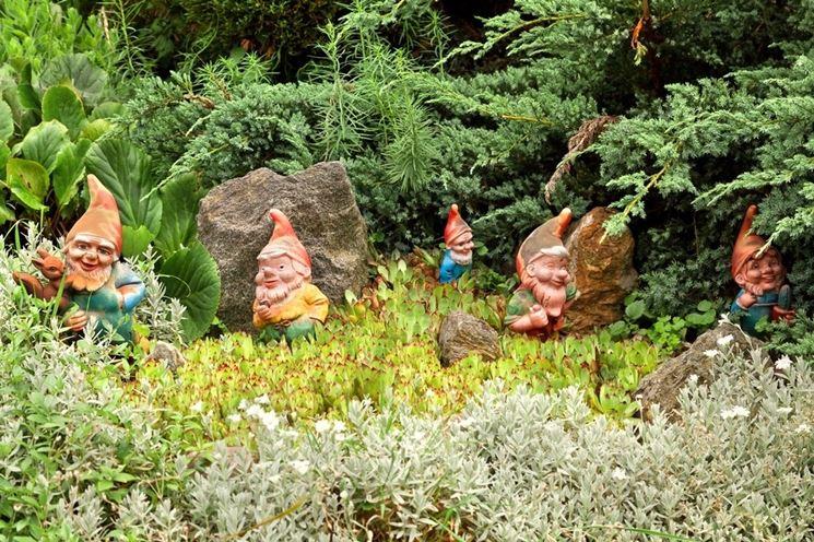 Aiuole giardino progettazione giardini come progettare for Decorazioni giardino aiuole