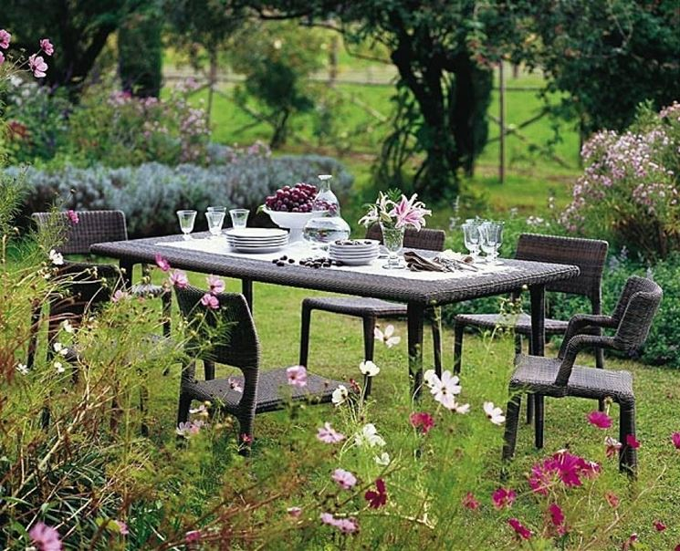 Arredamento da giardino tutte le offerte cascare a fagiolo for Arredare un giardino piccolo