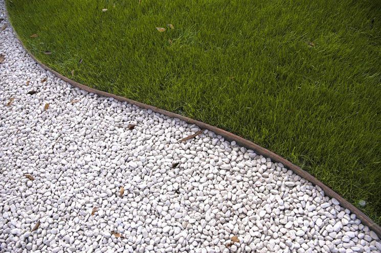 Ghiaia da giardino progettazione giardini ghiaia per - Vialetto giardino illuminato ...