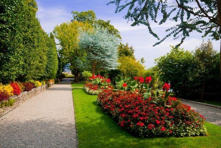 Un esempio di giardino fiorito all'inglese