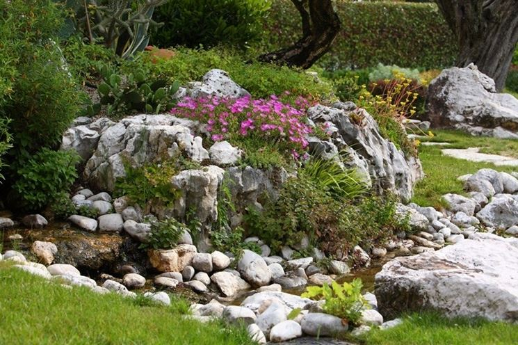 Realizzare giardini progettazione giardini come for Piccoli giardini fioriti