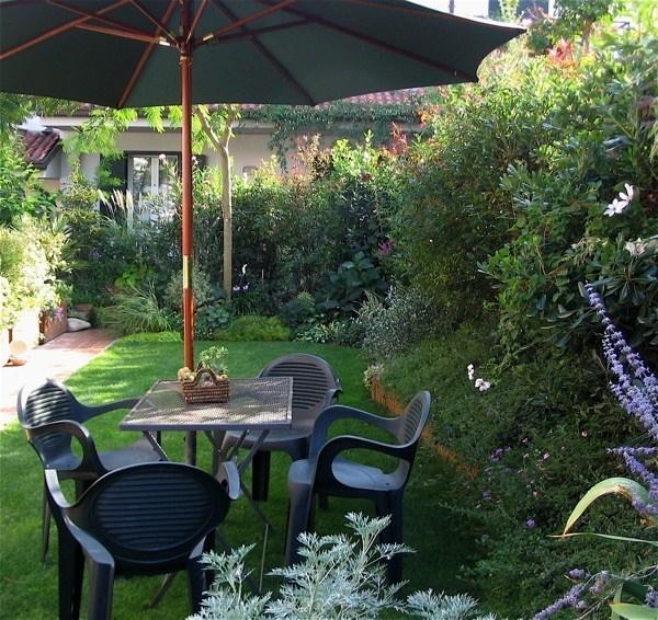 Realizzare un piccolo giardino progettazione giardini for Arredare un giardino piccolo