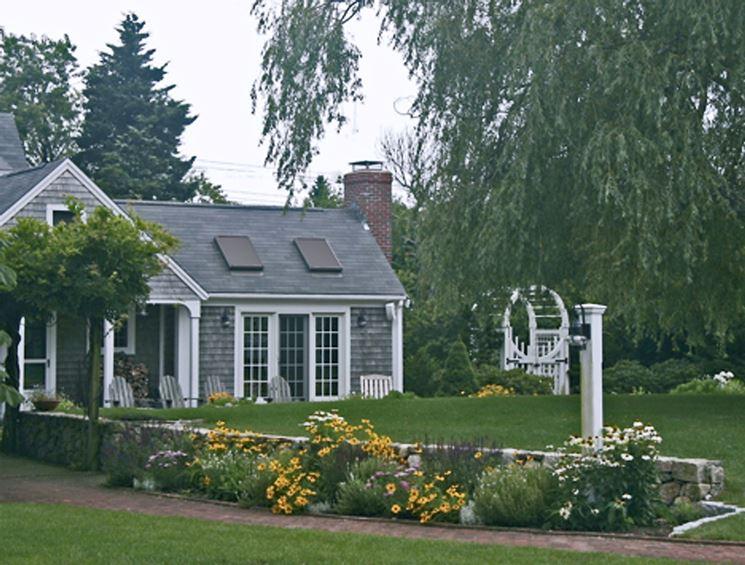 Realizzazione giardini privati progettazione giardini - Progetti piccoli giardini privati ...