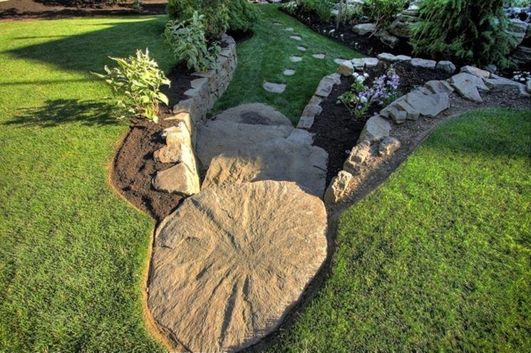Pietre e sassi per giardino