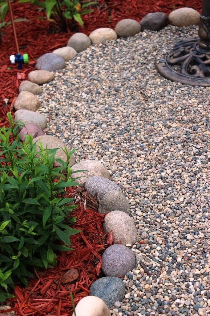 Vialetti da giardino progettazione giardini vialetti for Poner piedras en el jardin