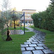 Esempio di vialetto da giardino