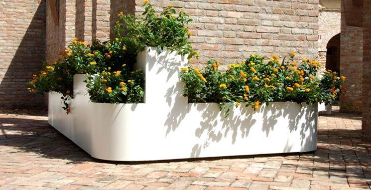 Fioriere da esterno vasi e fioriere fioriere per - Muri da giardino ...