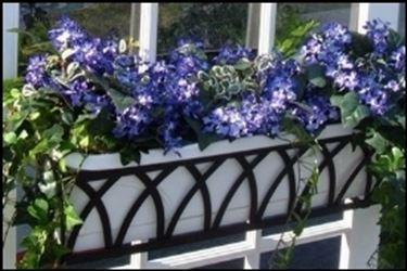 Esempio di fioriera in ferro battuto