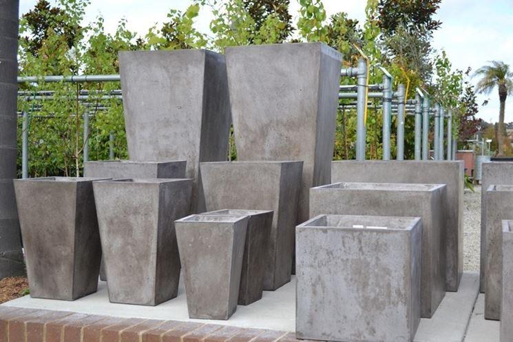 Vasi cemento vasi e fioriere vasi cemento arredamento for Vasi da arredamento design