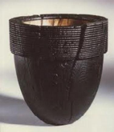 Vaso di legno dipinto