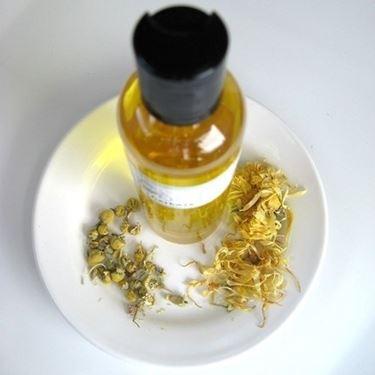 olio di camomilla