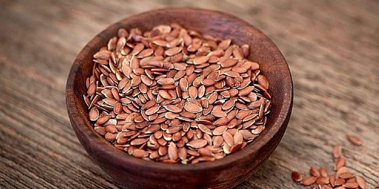 Si consiglia di consumare giornalmente i semi di lino