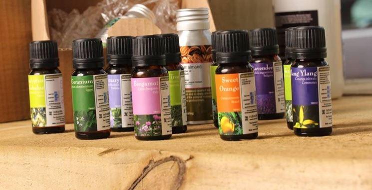 Vari tipi di olio essenziale