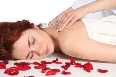 massaggi con oli essenziali