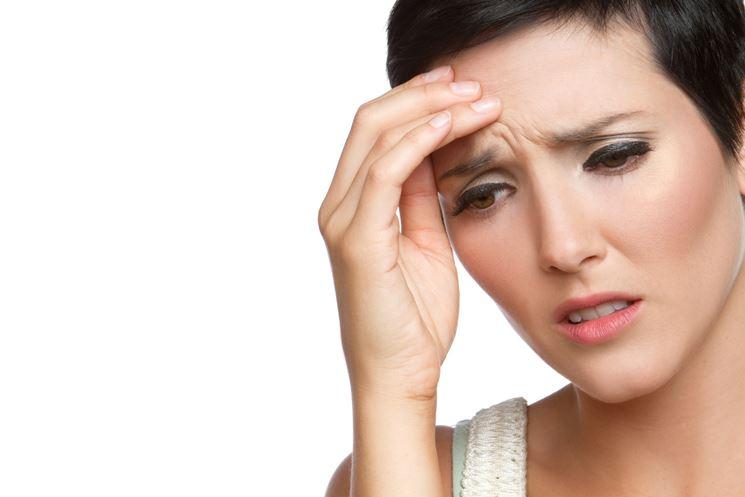 Tra gli effetti collaterali più comuni troviamo mal di testa e capogiro.