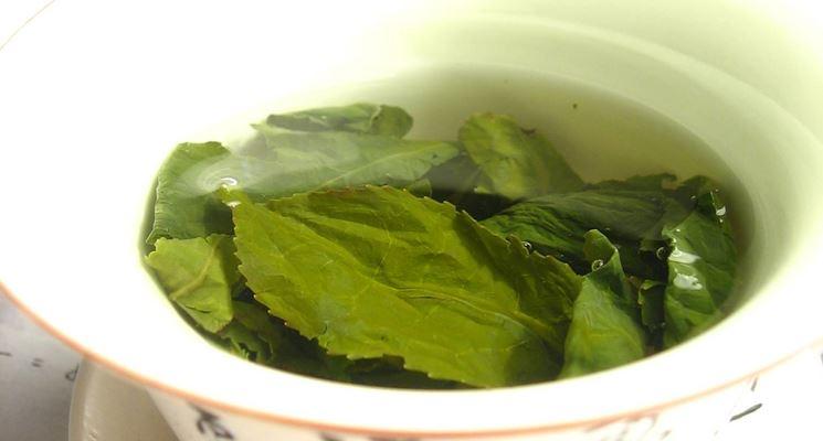 Uno dei modi per preparare una tisana è per infusione.