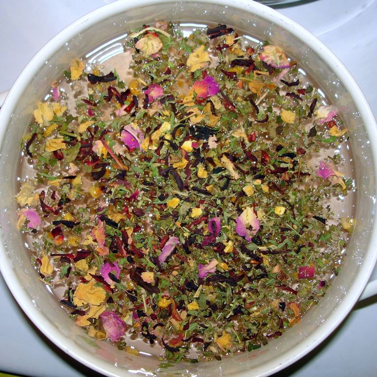 Un altro modo per preparare una tisana è con la macerazione.