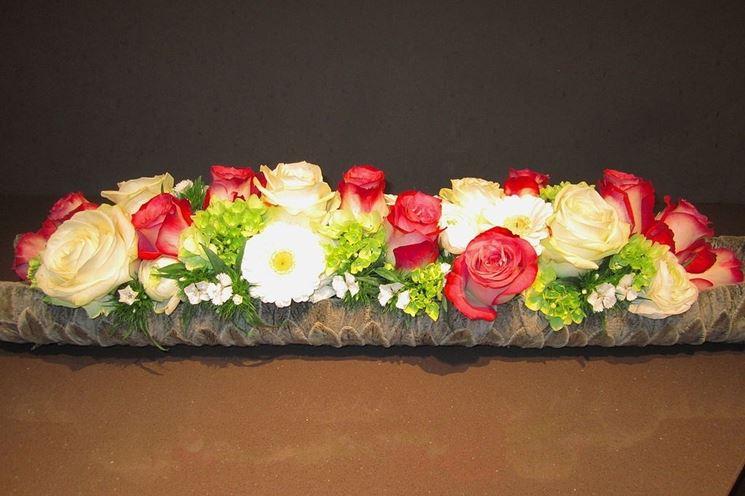 Composizione di rose per matrimonio